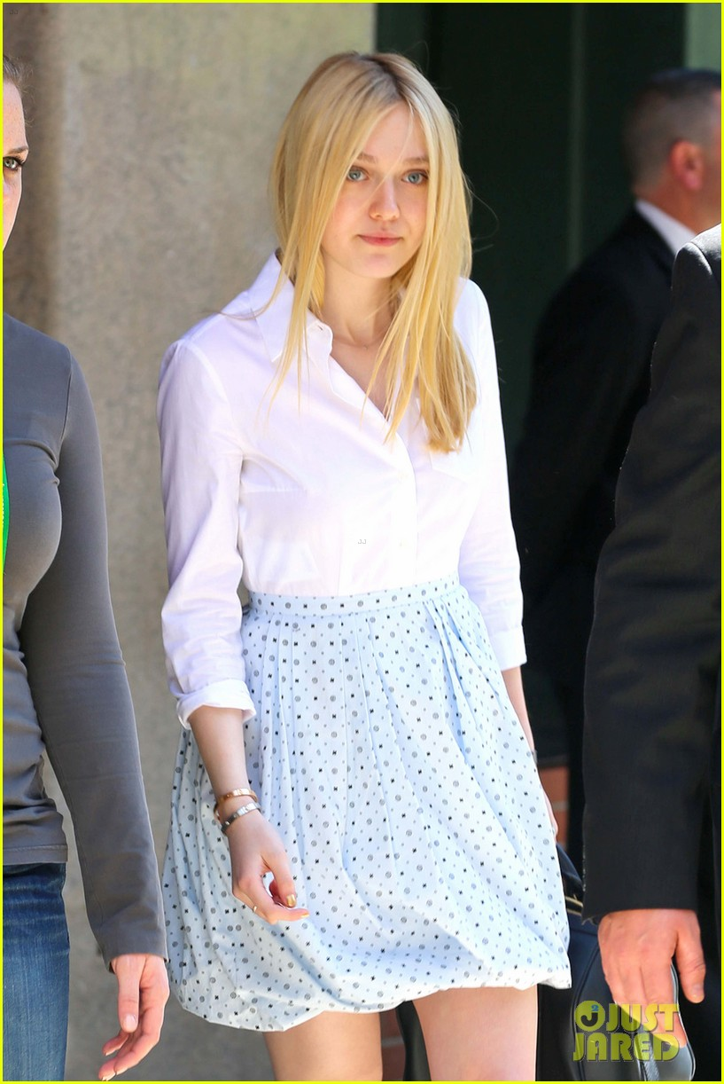 dakota fanning tribeca 012651266