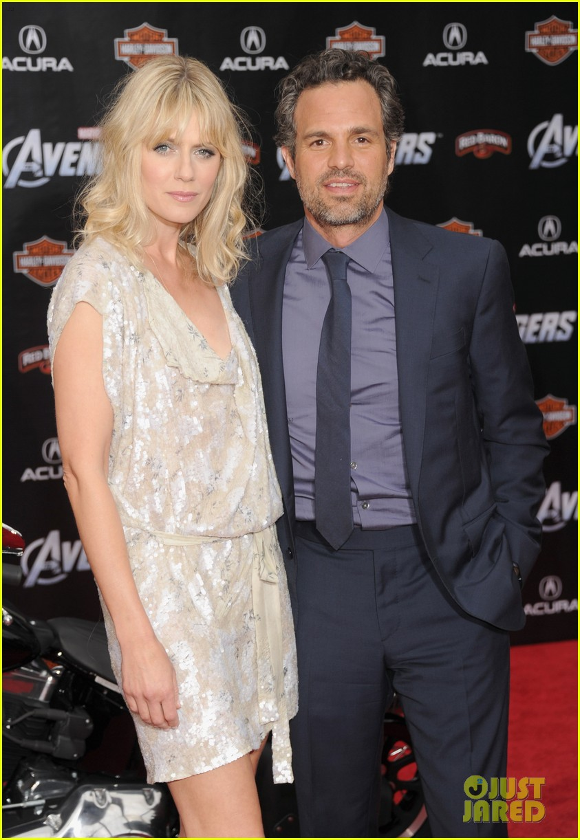 robert downey jr avengers premiere with wife susan 052647840