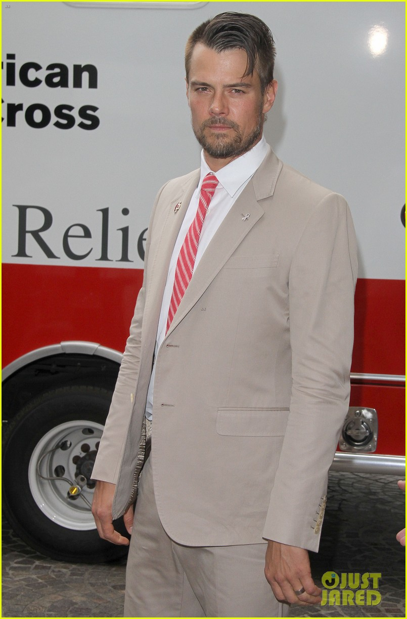 josh duhamel christa b allen red tie affair gala 062652192