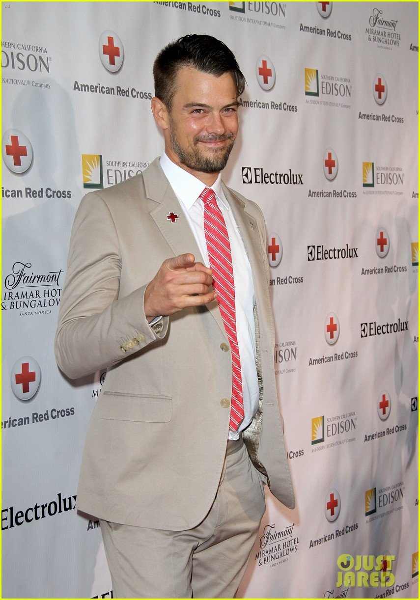 josh duhamel christa b allen red tie affair gala 09