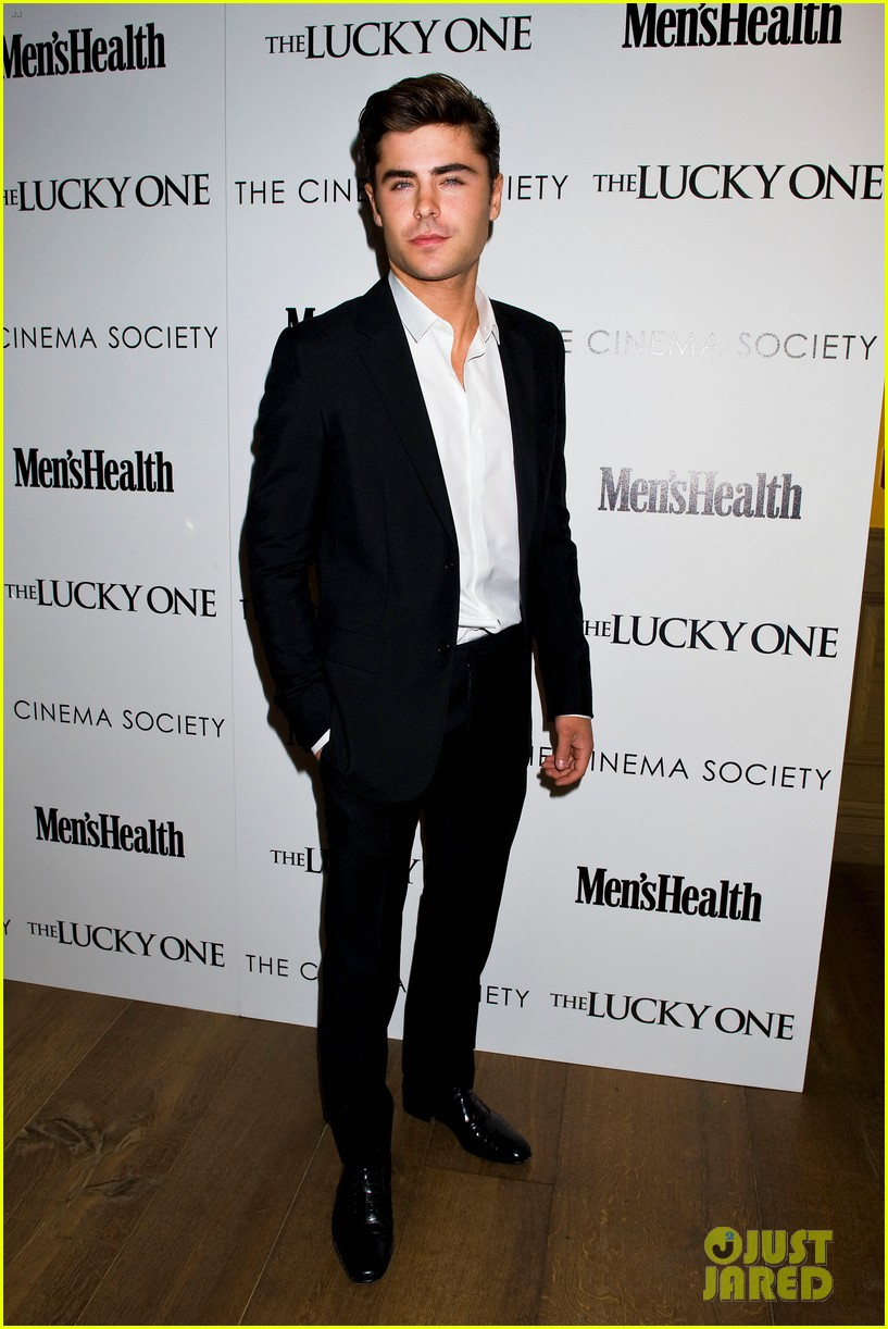 zac efron lucky one nyc screening with taylor schilling 012651078
