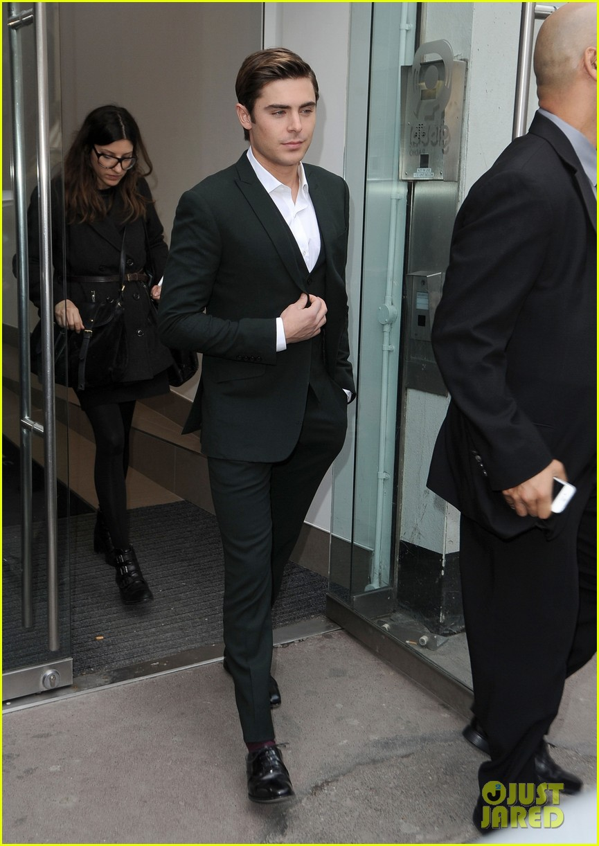 zac efron suit london 03