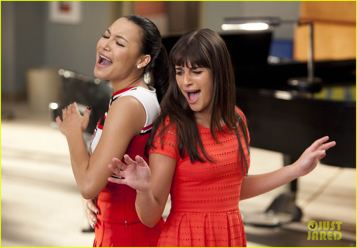 glee whitney houston tribute episode 01