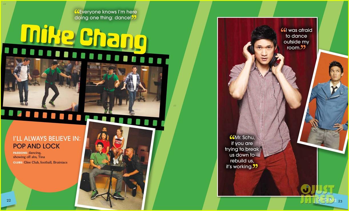 glee mckinley high yearbook exclusive inside look 012647457