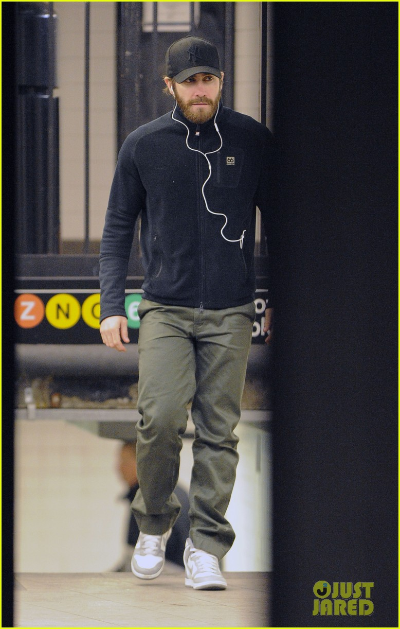 Full Sized Photo of ja... Jake Gyllenhaal Nyc