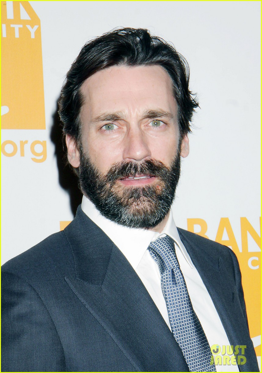 jon hamm scruffy beard can do awards 012650424