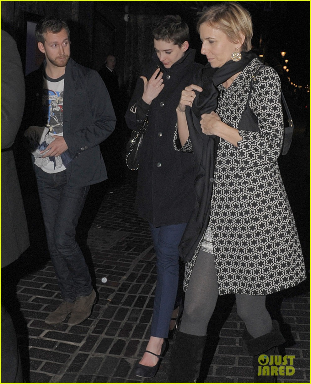 anne hathaway super short hair les miserables 012646542