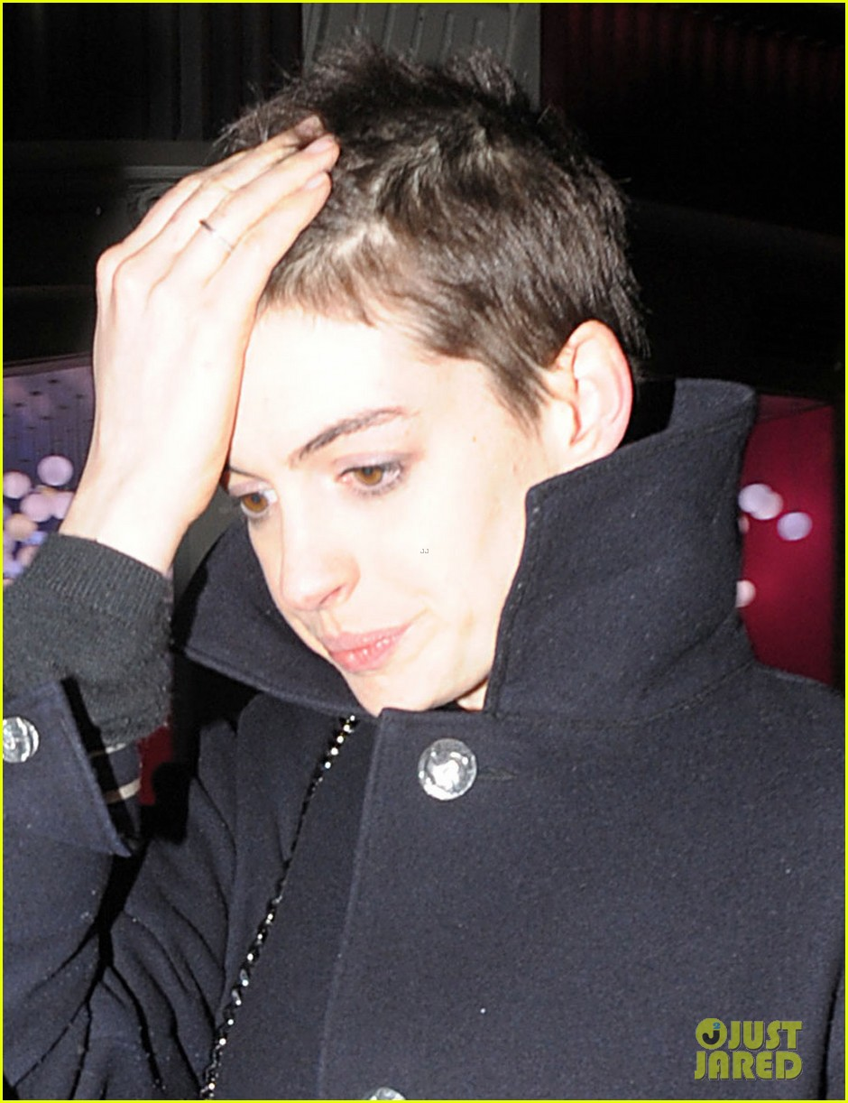 anne hathaway super short hair les miserables 022646543