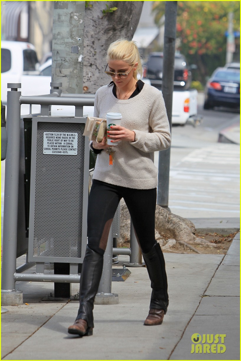 amber heard coffee sandwich stop 052643988