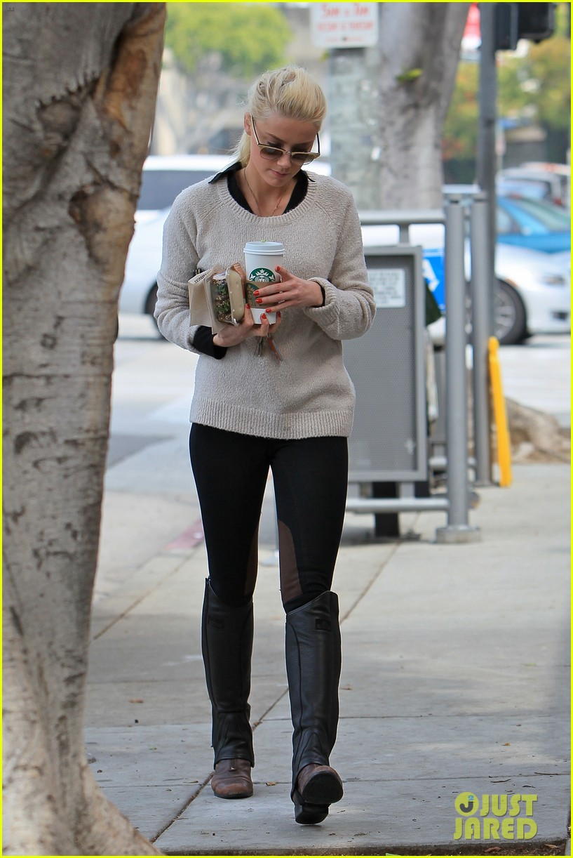 amber heard coffee sandwich stop 062643989