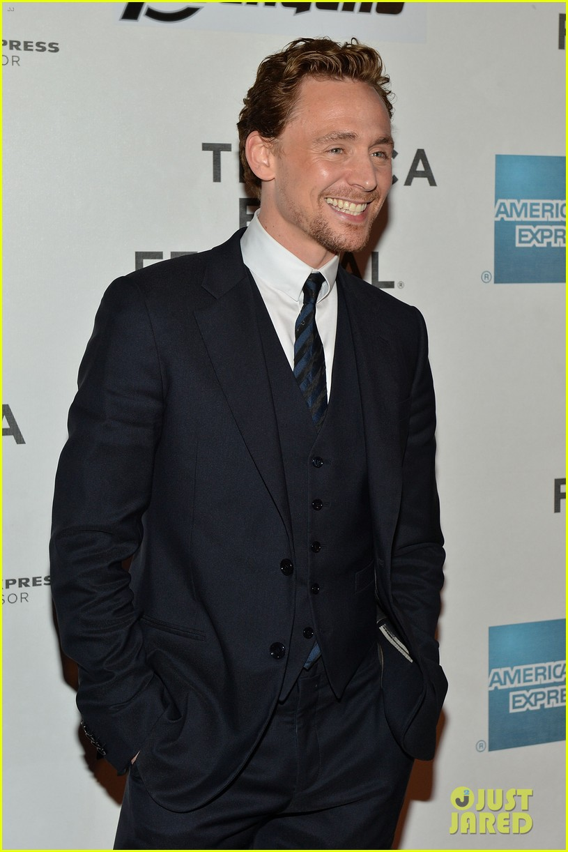 chris hemsworth tom hiddleston avengers ny premiere 20