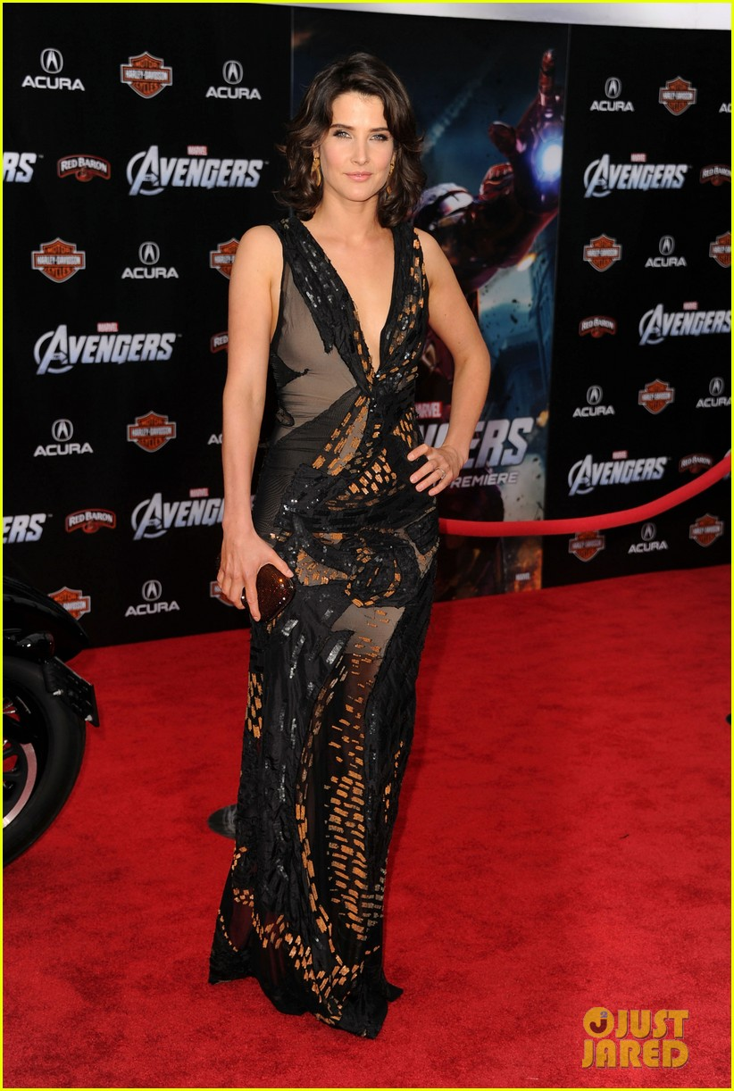 tom hiddleston cobie smulders avengers premiere 012647888