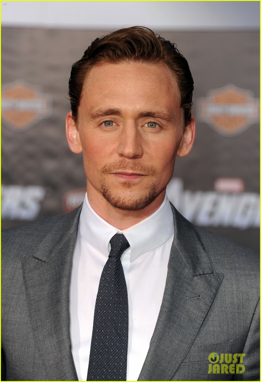 tom hiddleston cobie smulders avengers premiere 082647895