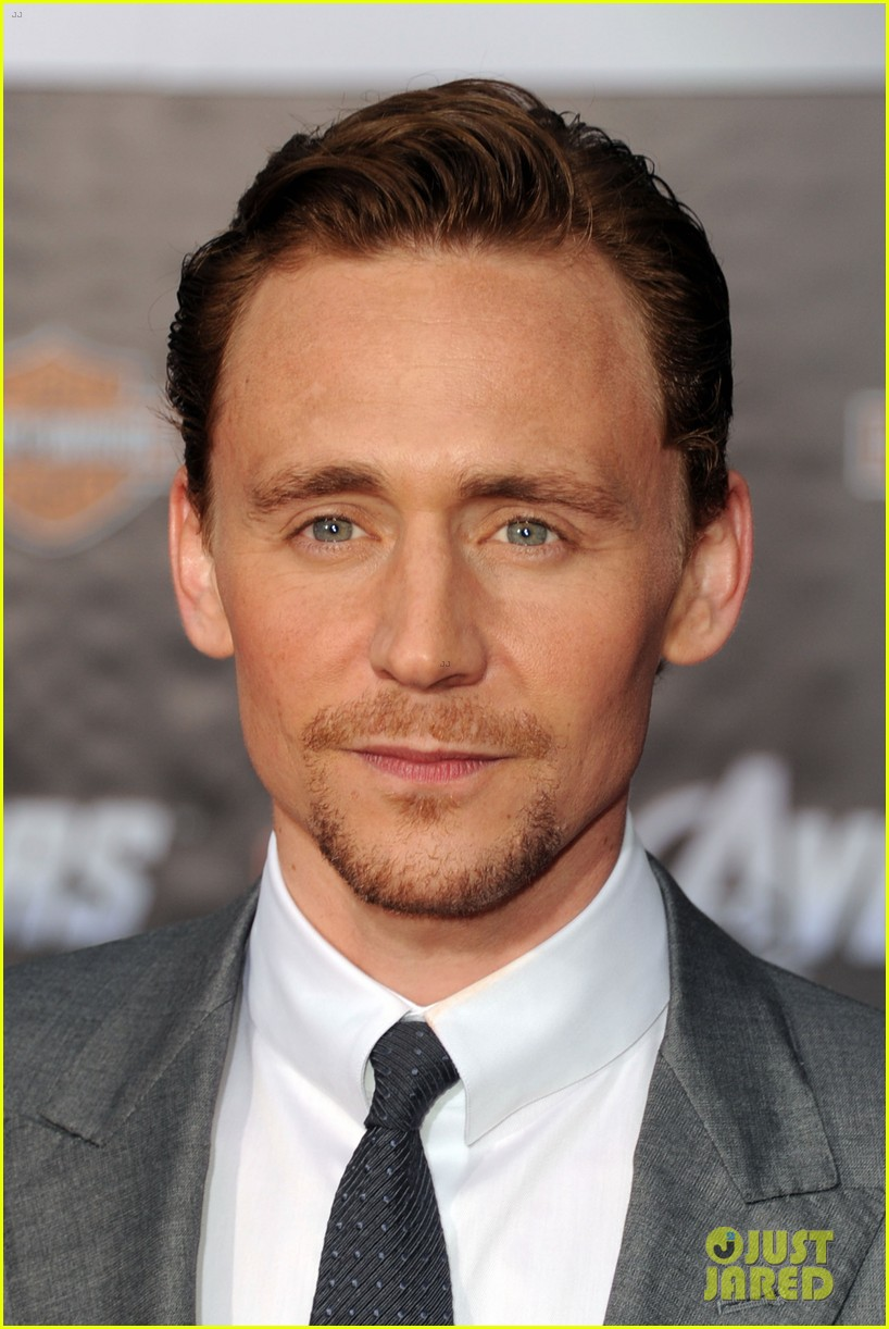 tom hiddleston cobie smulders avengers premiere 092647896