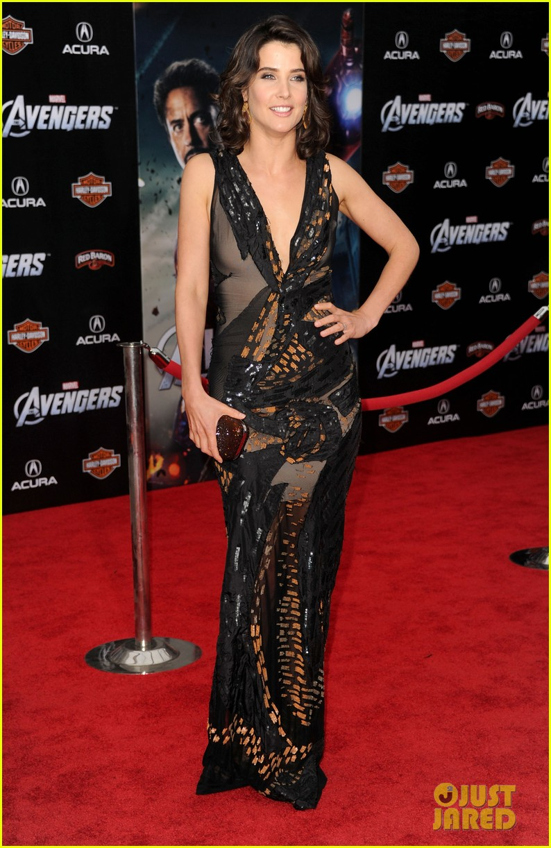 tom hiddleston cobie smulders avengers premiere 15