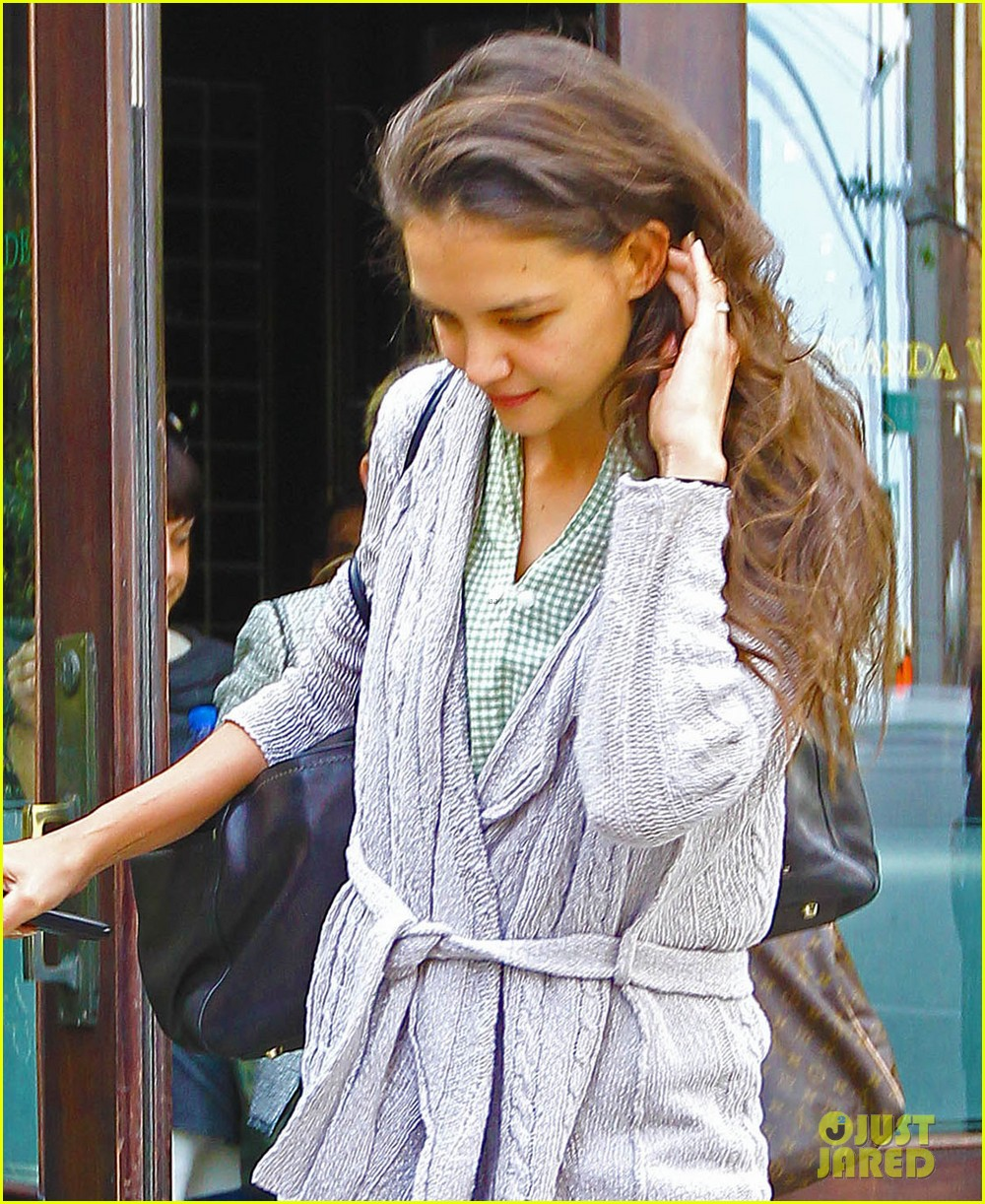 katie holmes not pregnant with second child photo 2653633