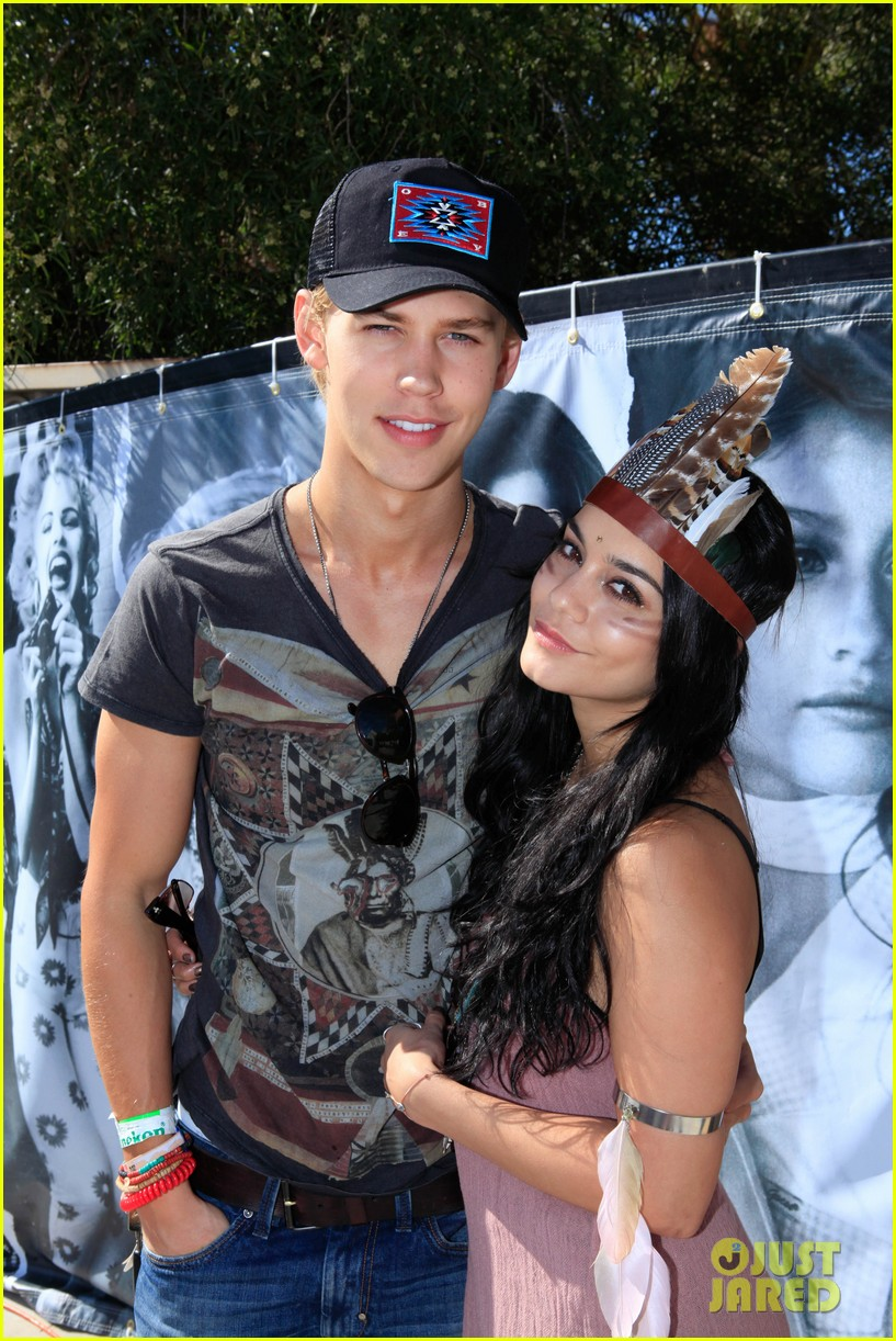 vanessa hudgens austin butler guess hotel party 03