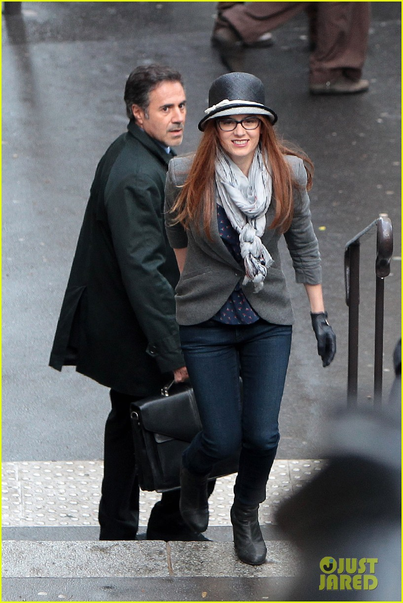 isla fisher on set in paris 012650721