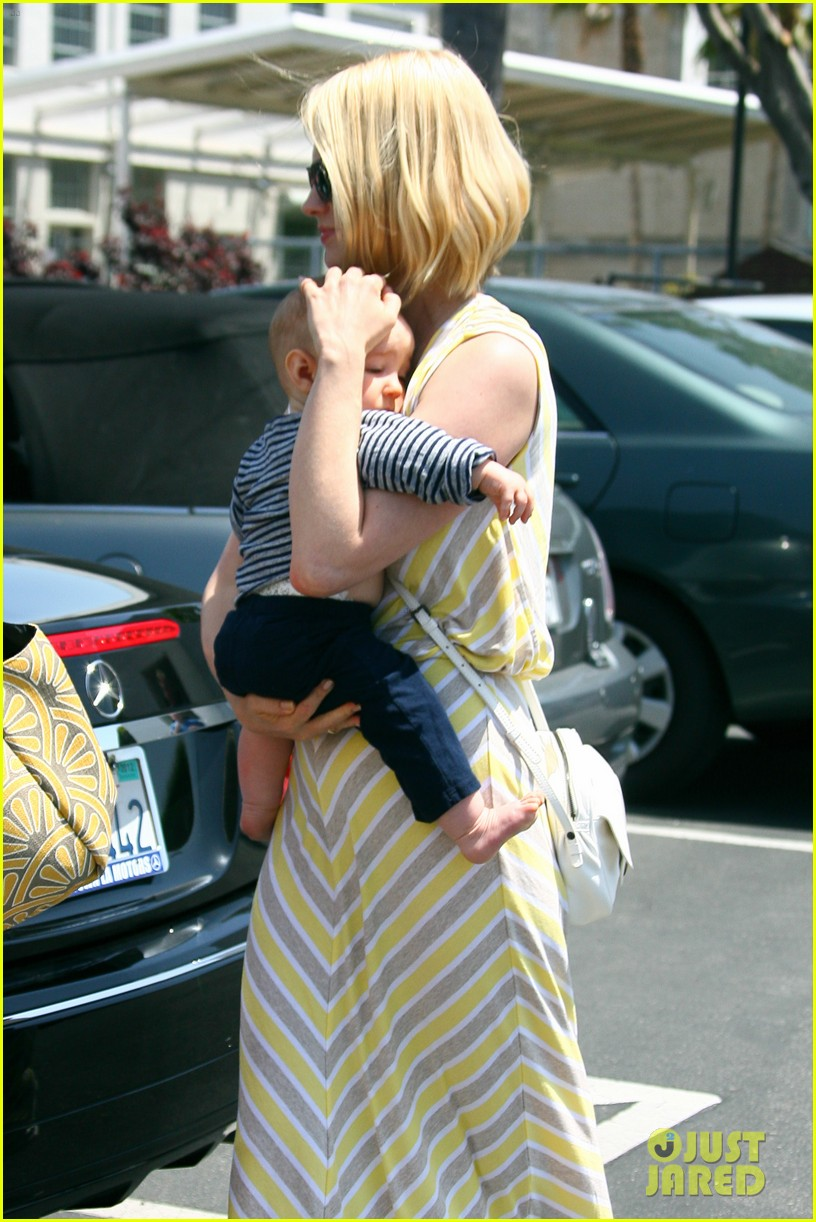 january jones xander lunch 092655553
