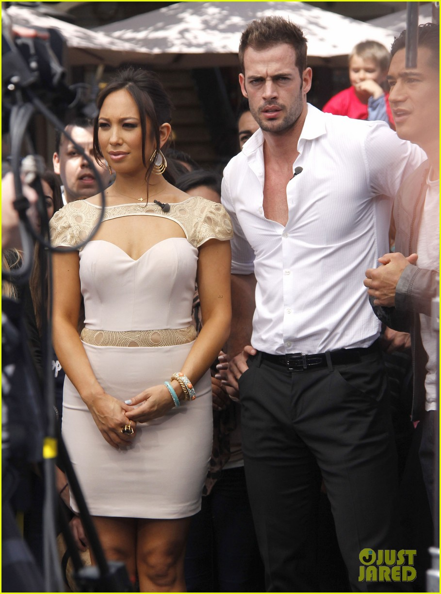 ashley judd william levy extra at the grove 082647798