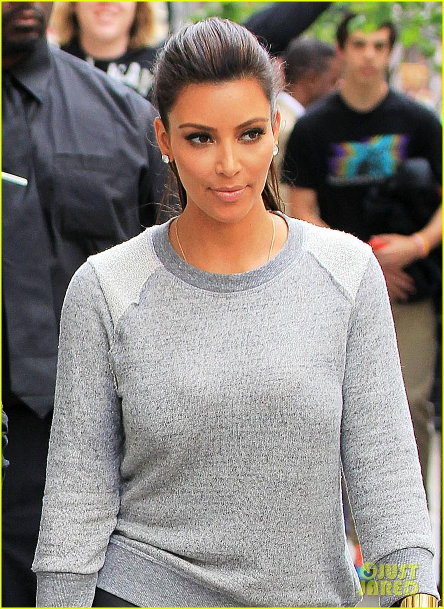 Kim Kardashian Kanye West Romantic Stroll In Nyc Photo 2651924