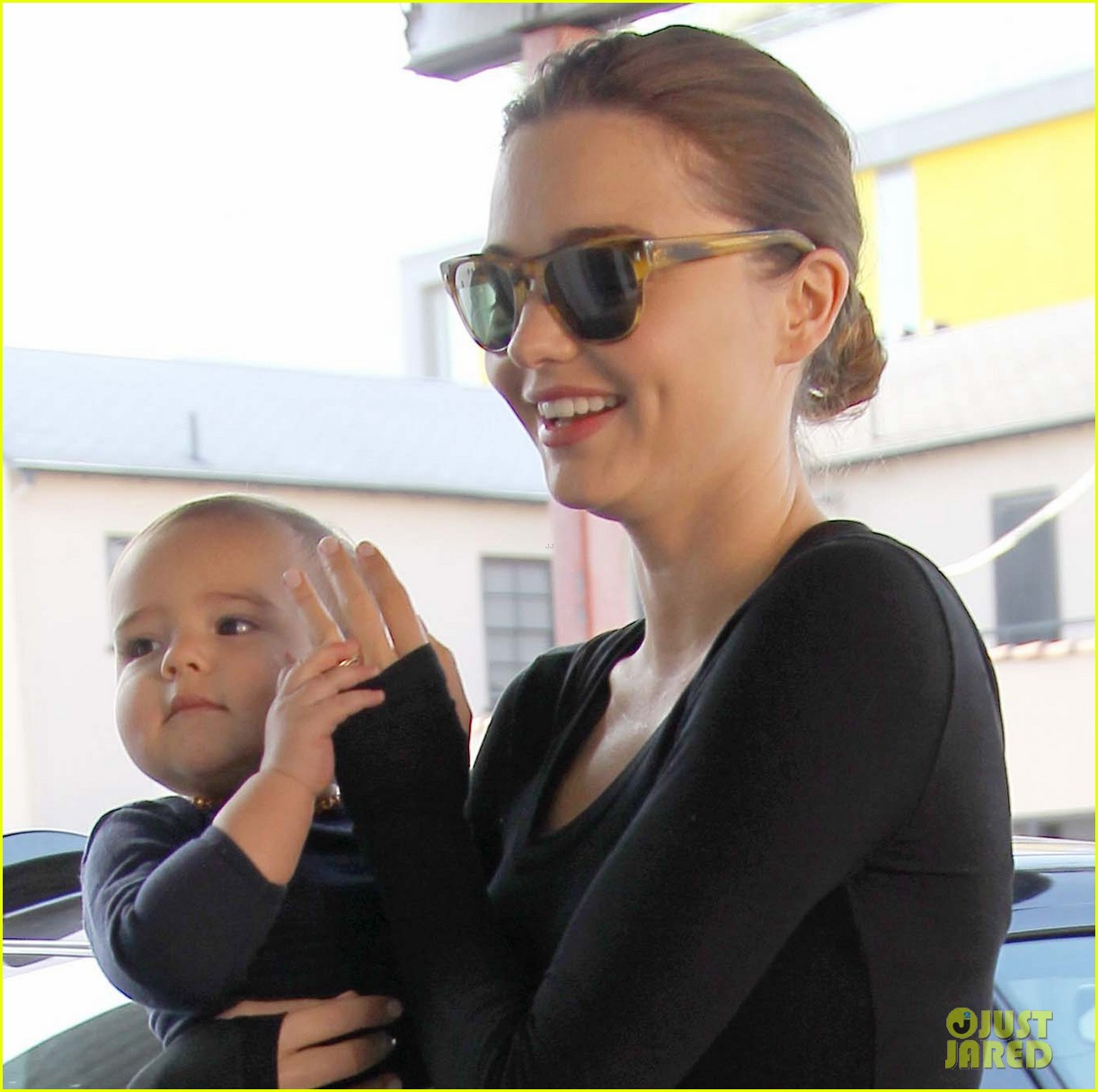 miranda kerr flynn head to gym 01