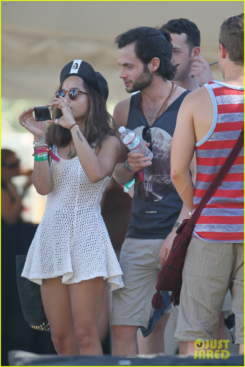zoe kravitz penn badgley coachella couple 15