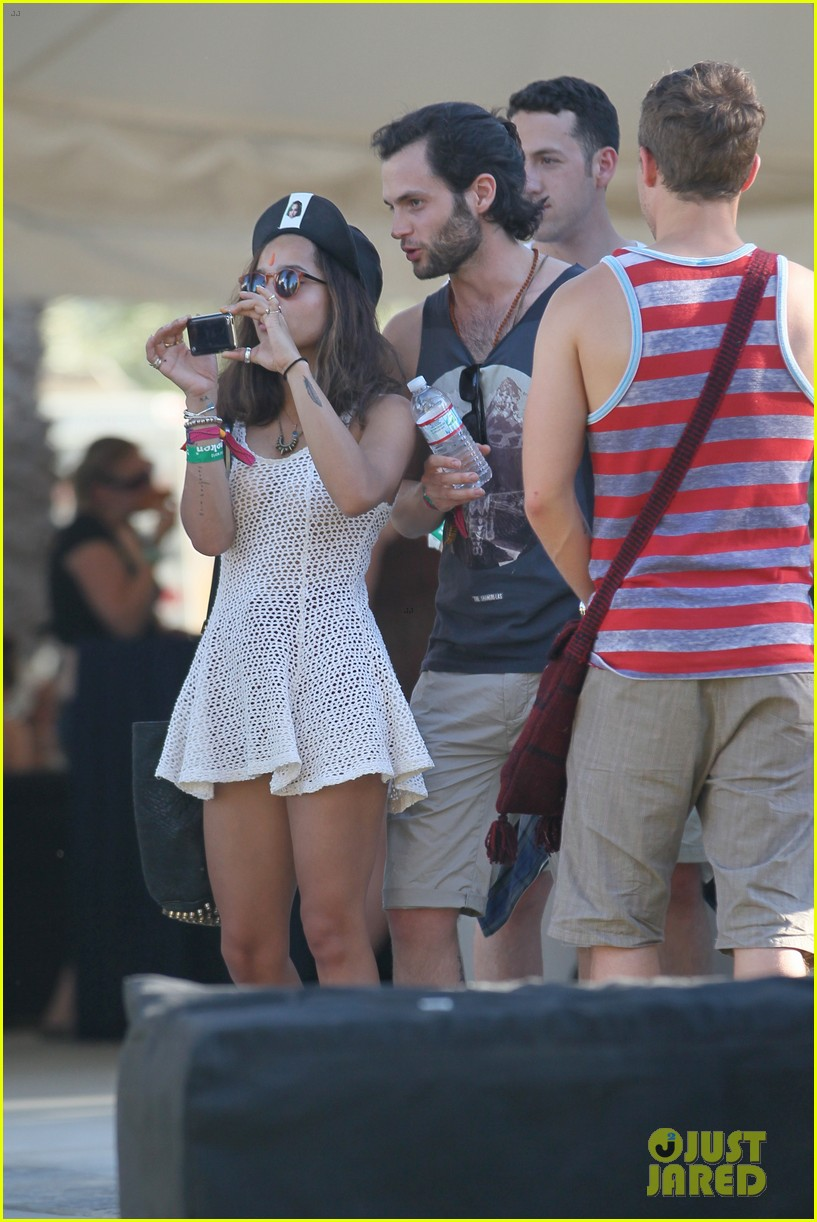 zoe kravitz penn badgley coachella couple 16