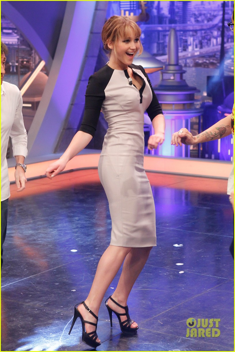 jennifer lawrence el hormiguero bow arrow 042650977
