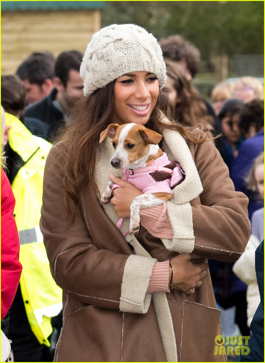 leona lewis animal sanctuary 01