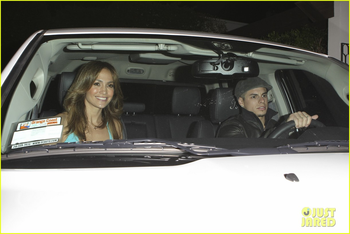 jennifer lopez casper smart birthday dinner 082646212