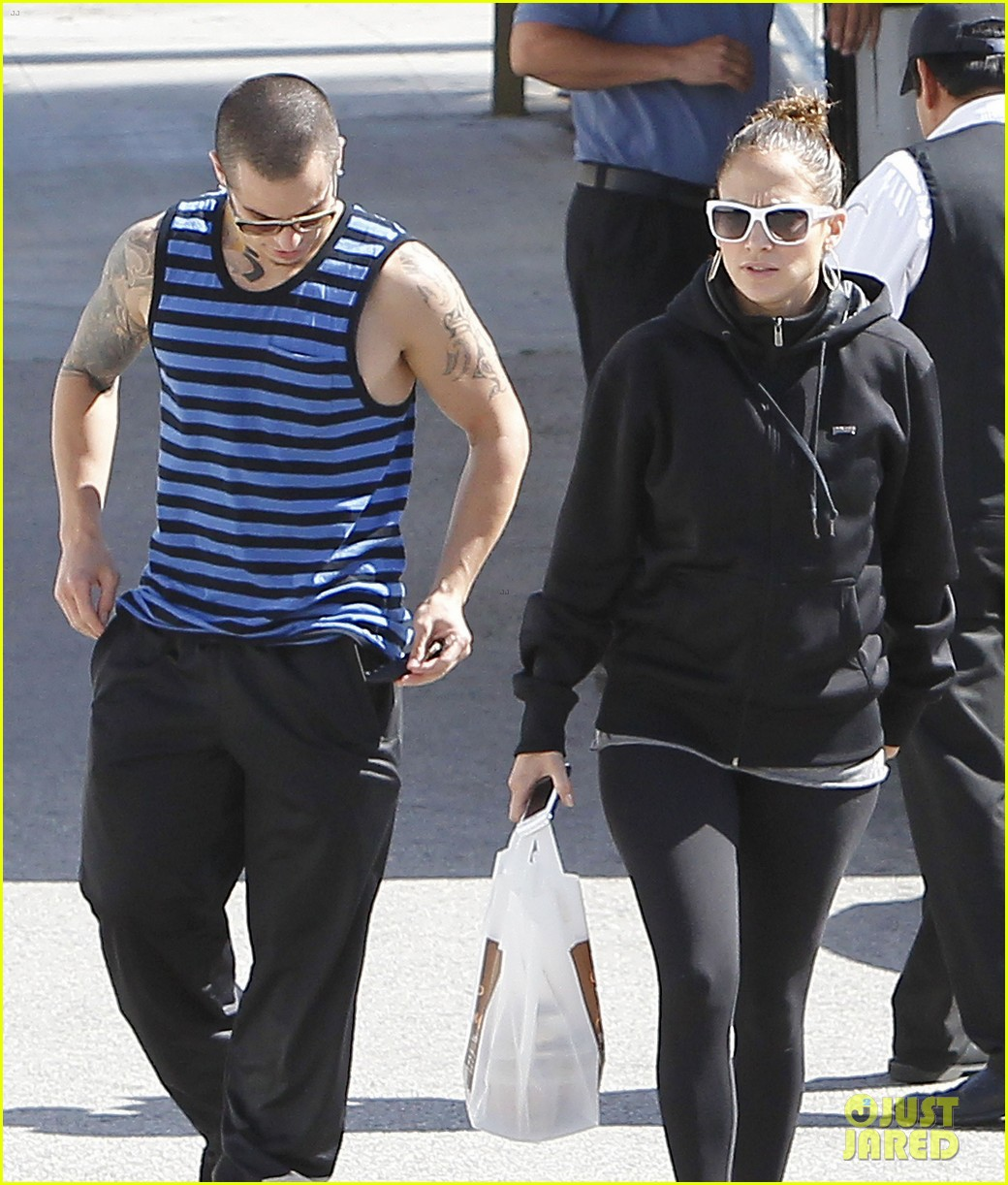 jennifer lopez casper smart lovebirds at lunch 08