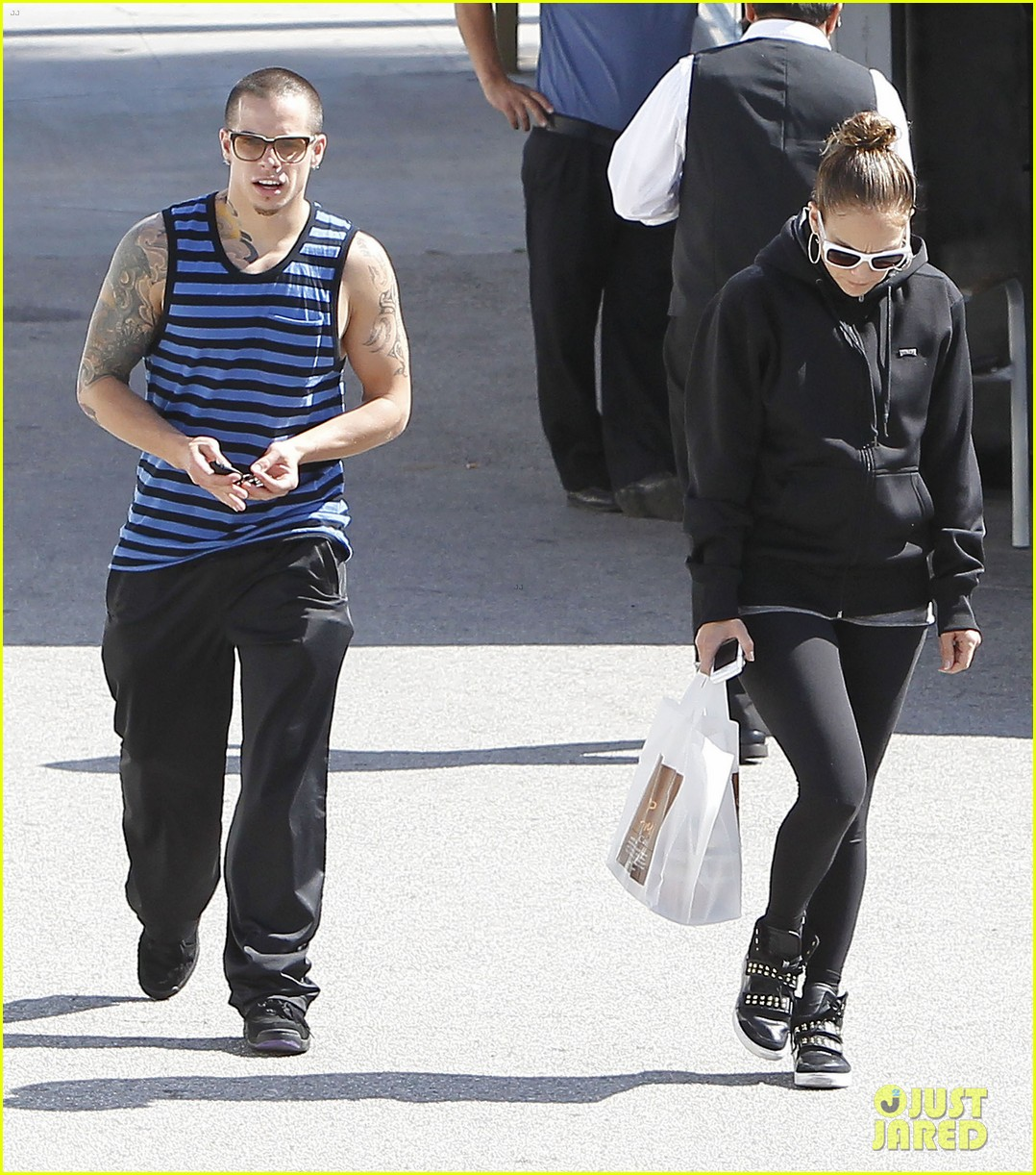 jennifer lopez casper smart lovebirds at lunch 102655183