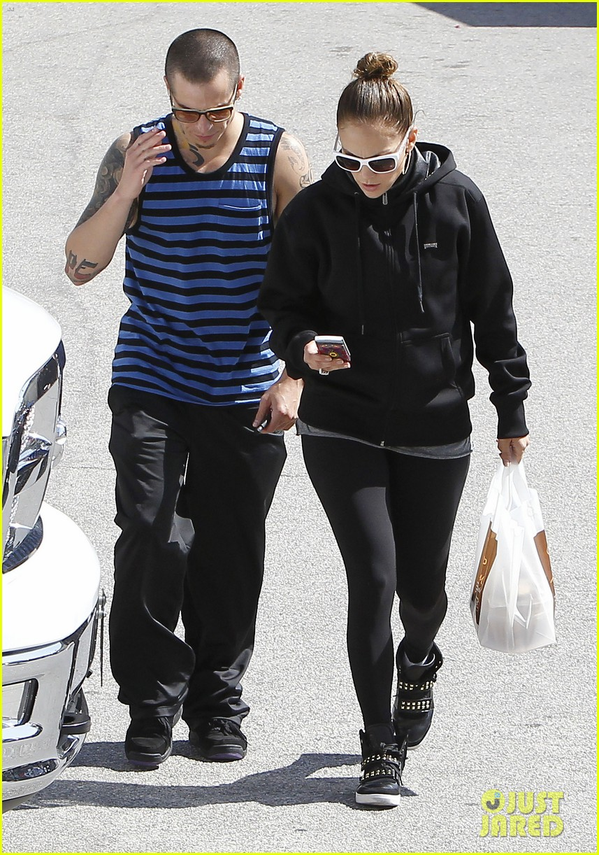 jennifer lopez casper smart lovebirds at lunch 18