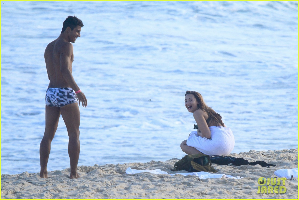 demi lovato flirts on beach 152650894