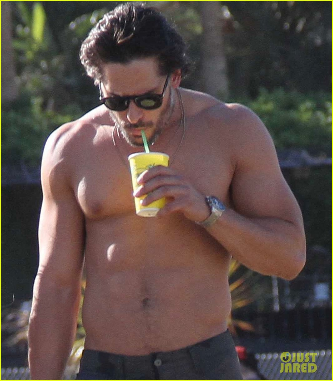joe manganiello shirtless at coachella 09