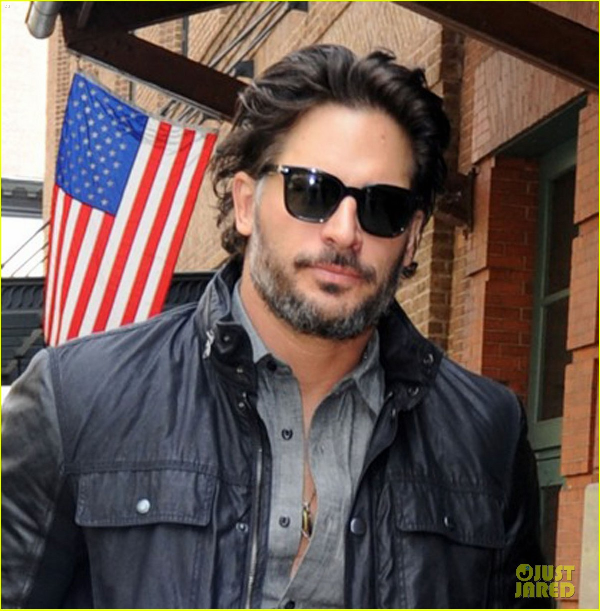 joe manganiello tribeca walk 04