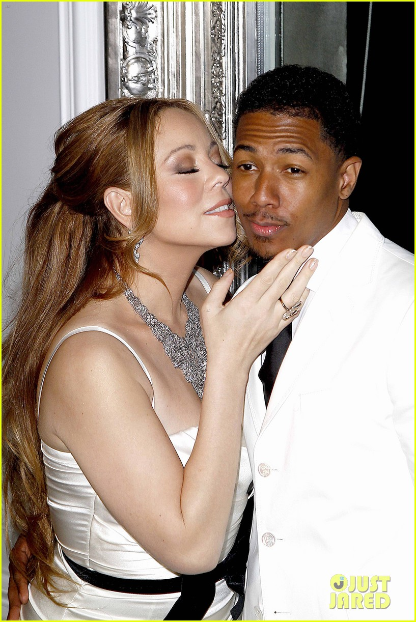 Mariah Carey Nick Cannon Renew Vows In Paris
