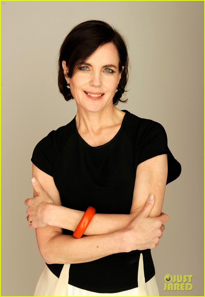 elizabeth mcgovern cheerful weather portrait 092651936