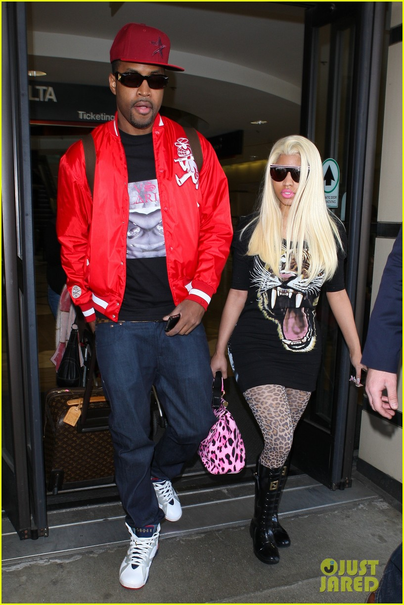 nicki minaj safaree samuels lax arrival 01