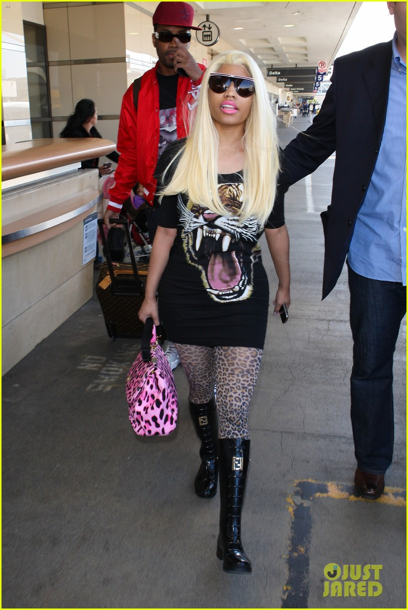 nicki minaj safaree samuels lax arrival 16