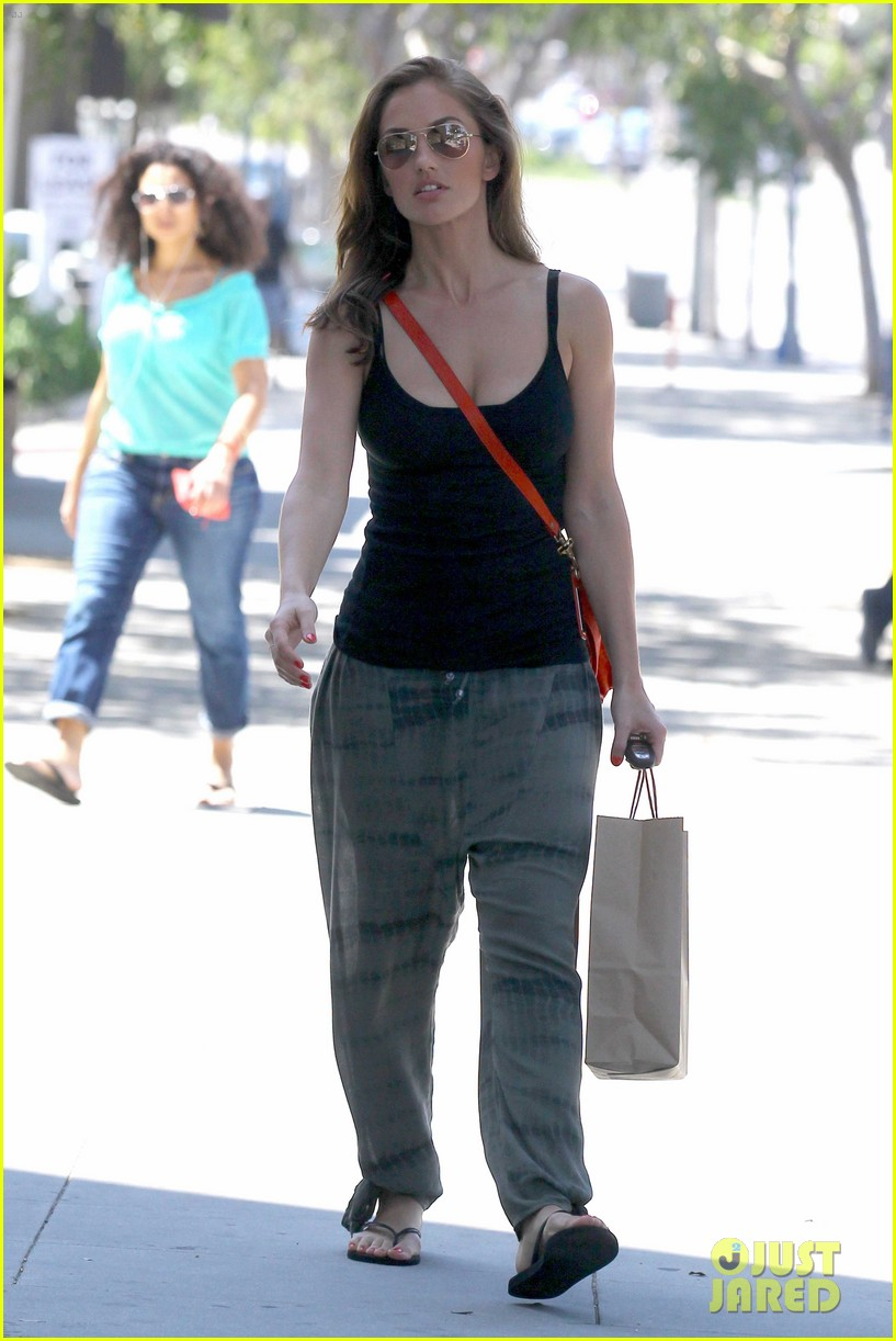 minka kelly pressed juicery 03