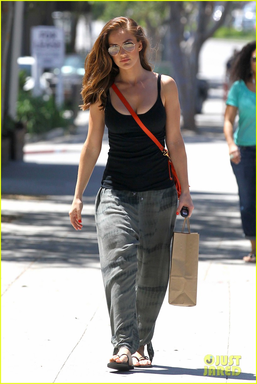 minka kelly pressed juicery 062651496