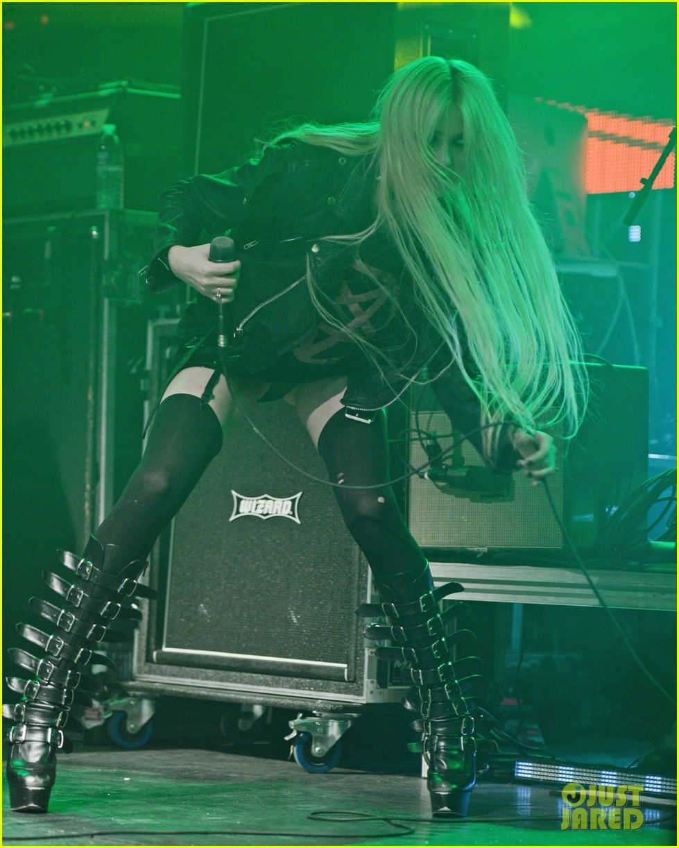 taylor momsen culture room with the pretty reckless 042654209