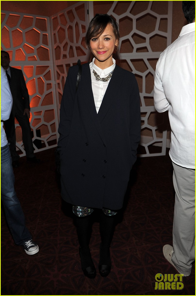 rashida jones chace crawford white house weekend 012654597