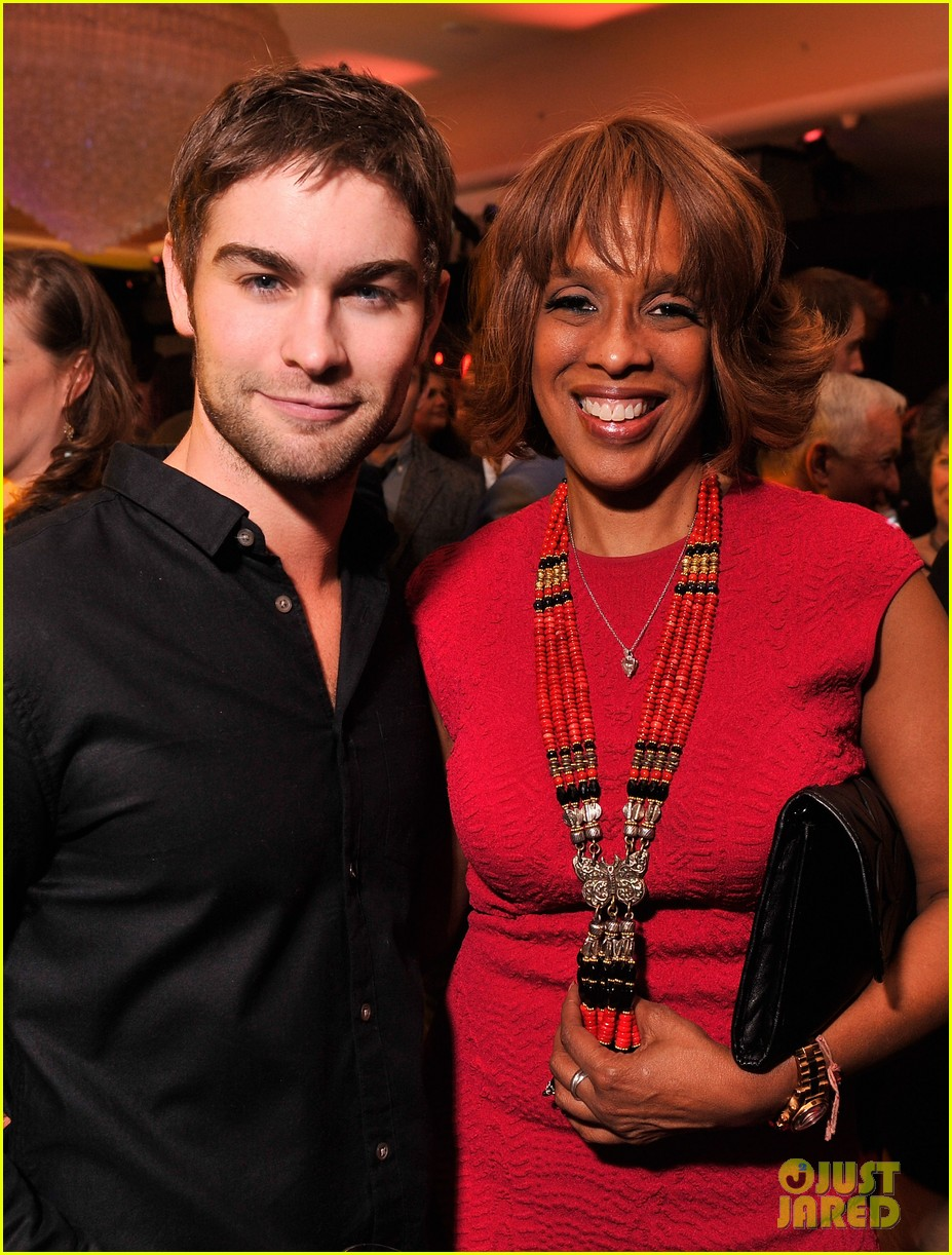 rashida jones chace crawford white house weekend 05