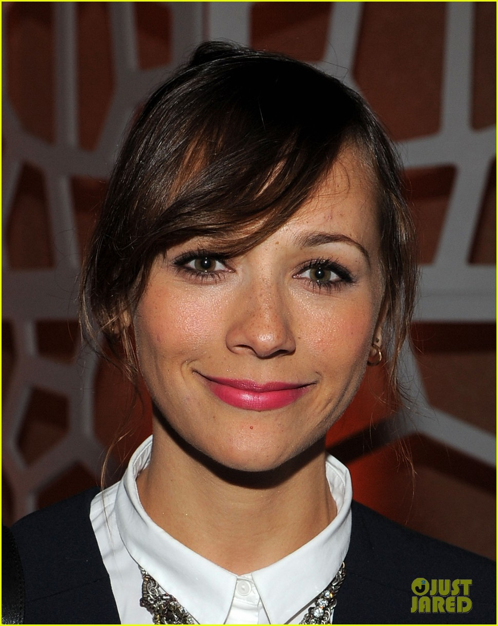 rashida jones chace crawford white house weekend 06