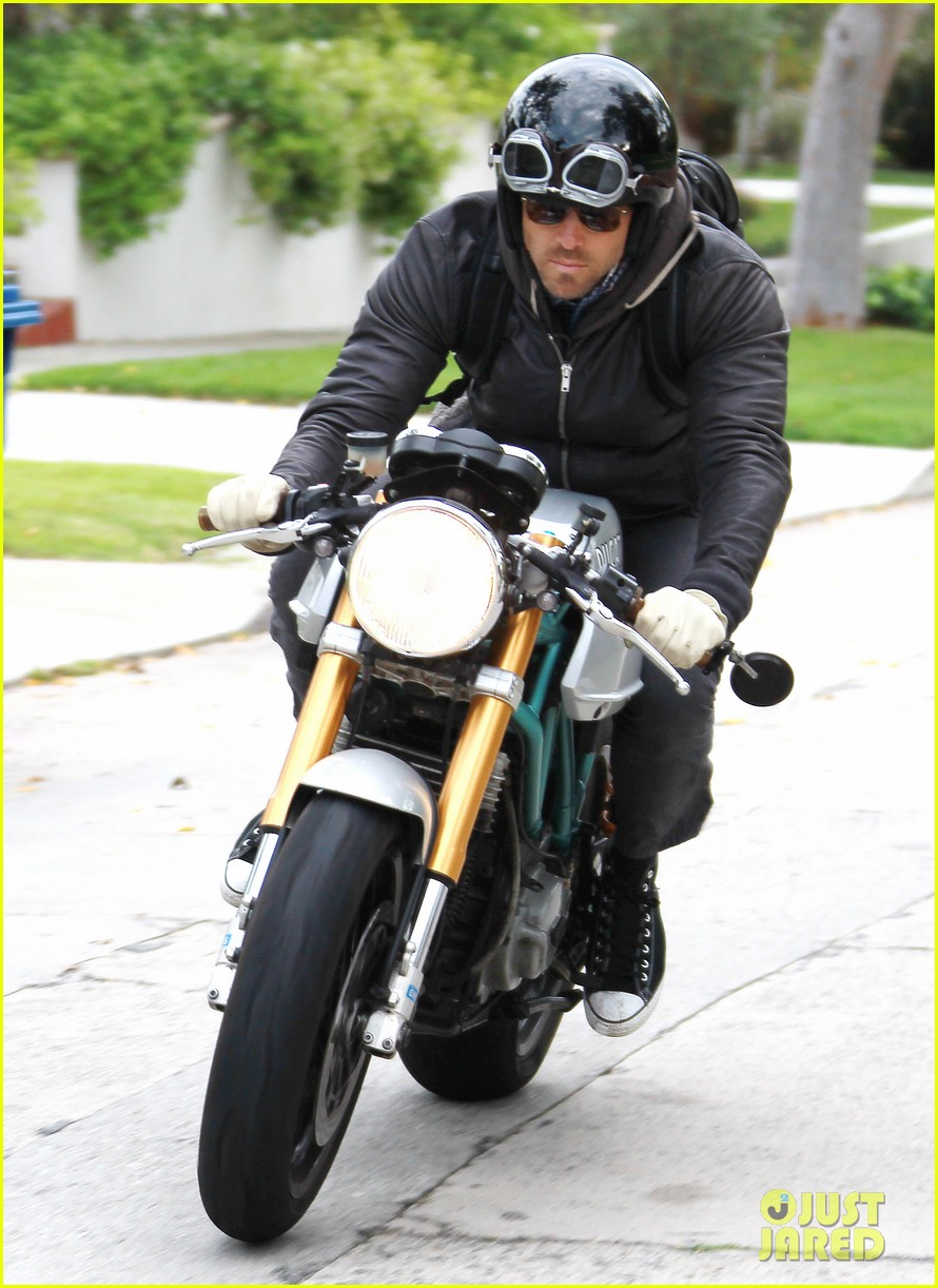 ryan reynolds motorcycle man 06