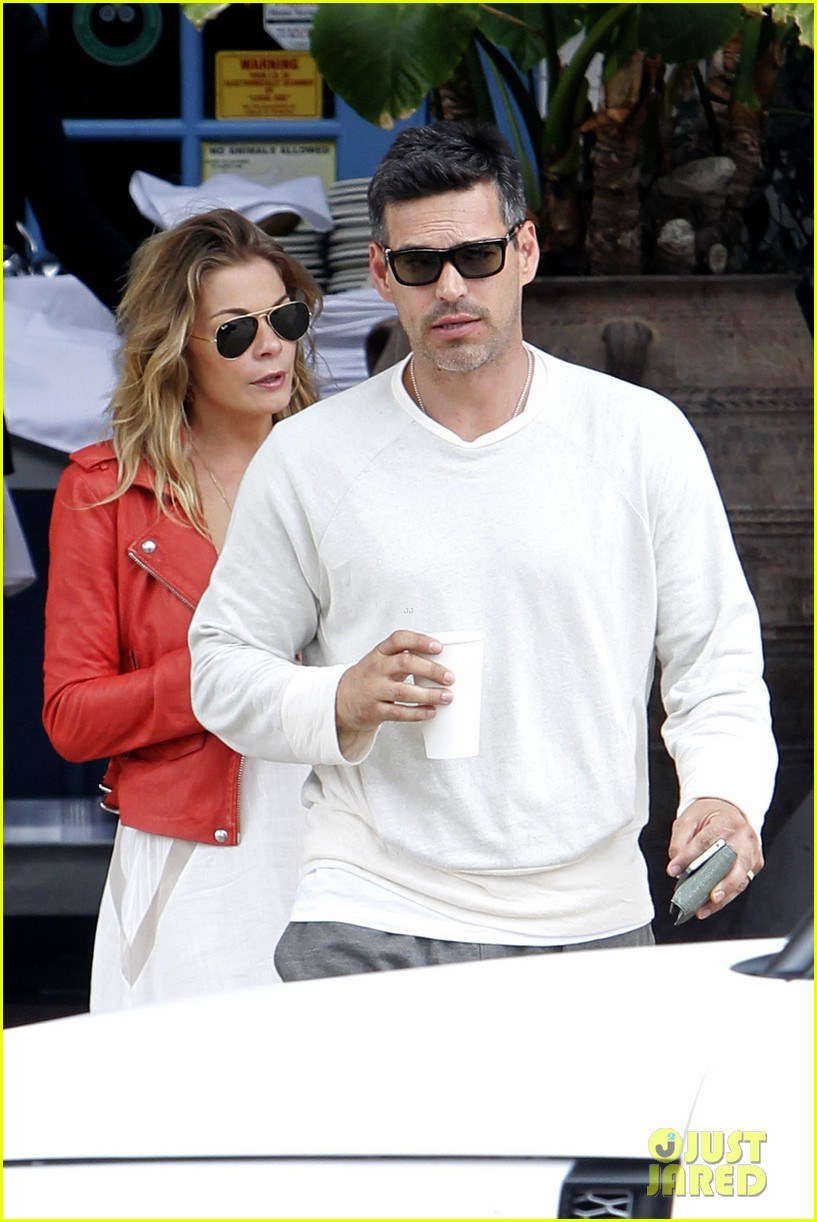 leann rimes eddie cibrian lunchtime 04