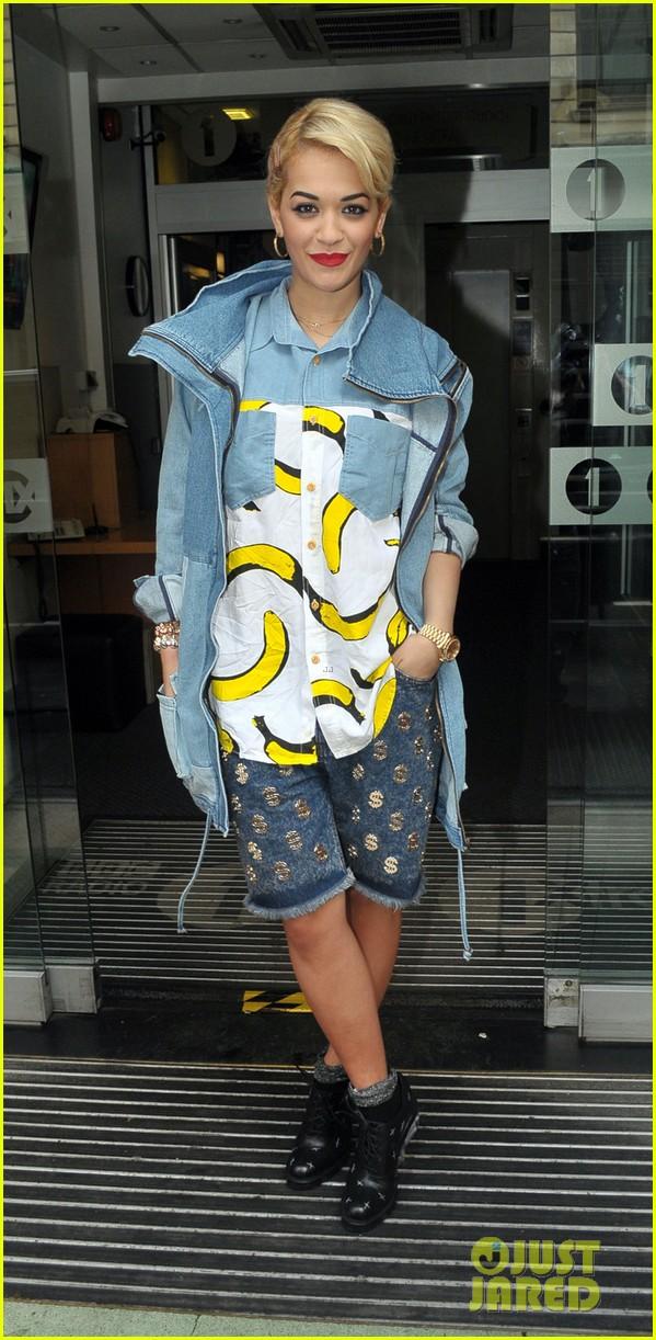 rita ora concert bananas outfit 18
